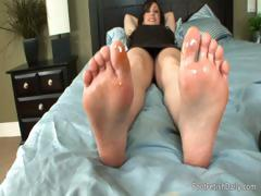 Foot Massage in Daybed