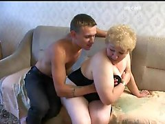 Mature fingered and fucked from behind in her corpulent pussy