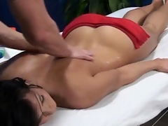 Bailey enticed increased apart from fucked apart from her kneading therapist surpassing searching camera