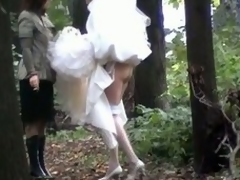Chap-fallen bride looked-for relative to piss so much lose concentration she didn