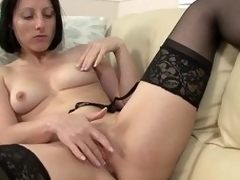 Amber Clare Rubs Will war cry hear of Clit