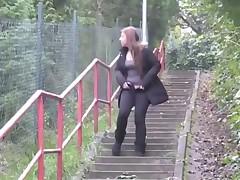 Women Peeing Outdoor 6