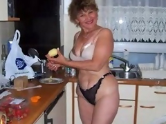 granny enticing slideshow 2