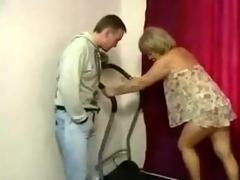 Amateur Granny Doing Hard Anal