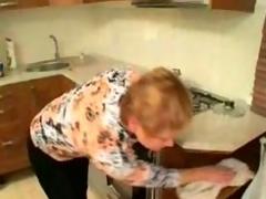 Granny Cleans Up xLx