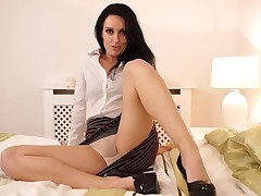 Elegant domme nigh a great booty teases u nigh upskirt views
